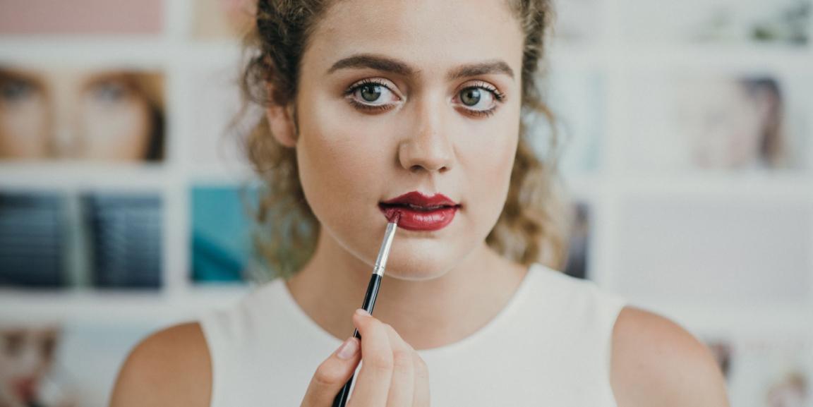 Folosești make-up? Aceste sfaturi sunt pentru tine